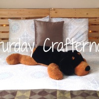 Saturday Crafternoon: DIY Pallet Bed